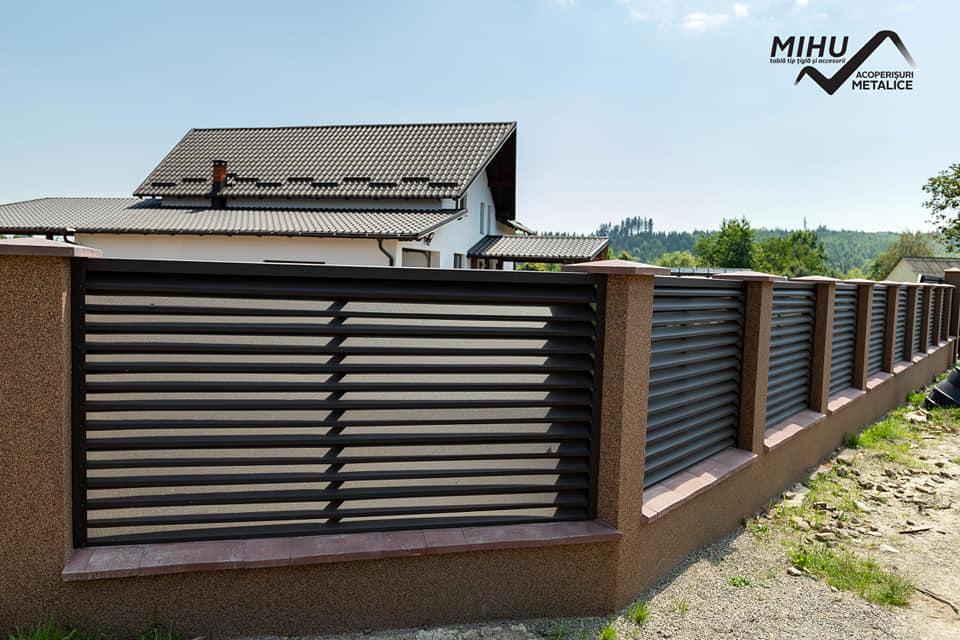 gard metalic din tabla tip tigla metalica